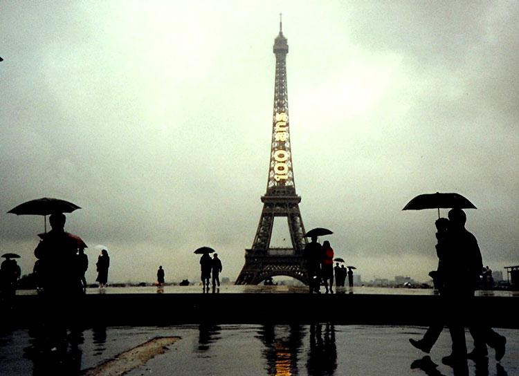 париж дождь
