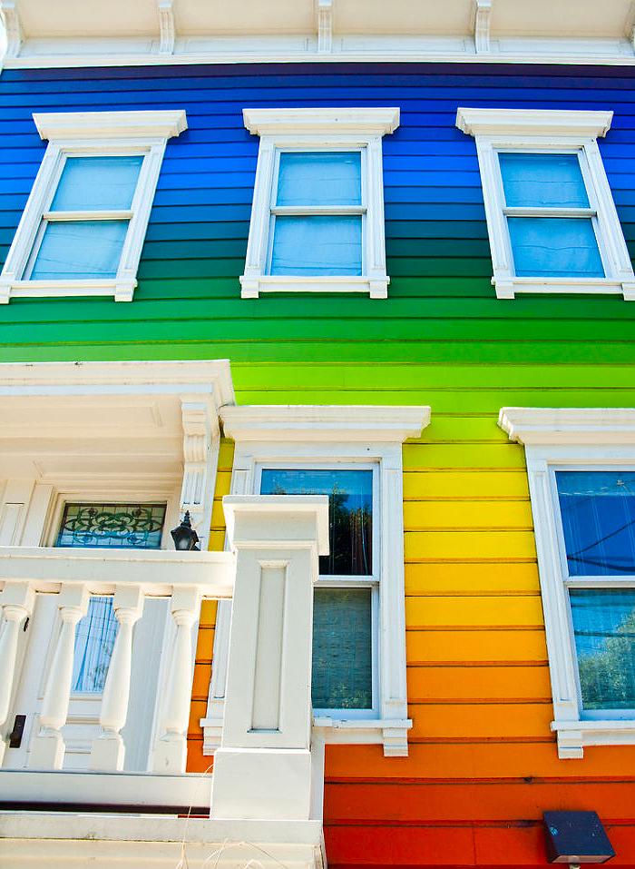цветные деревянные дома