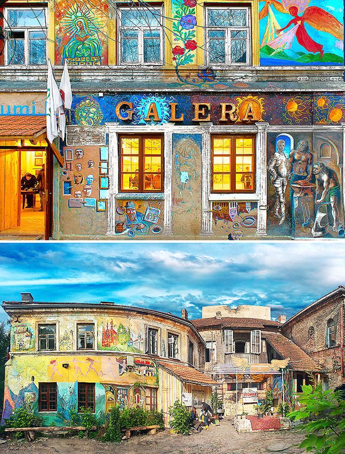 цветные фасады зданий