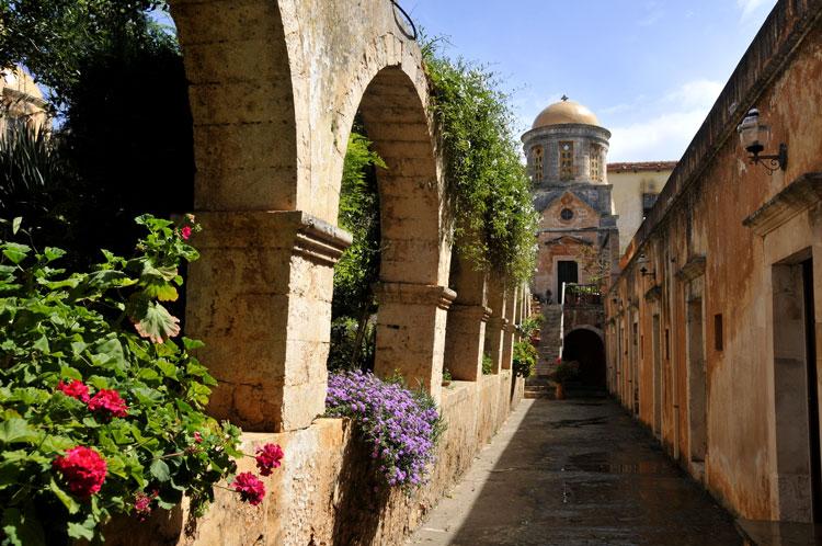 монастыри на острове крит
