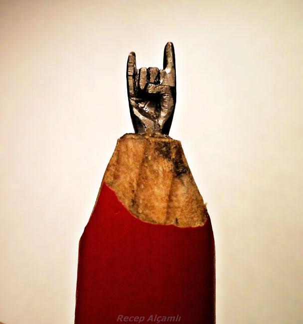 скульптуры из карандашных грифелей