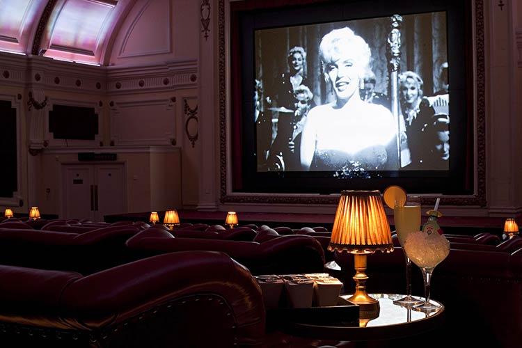 необычные кинотеатры в мире