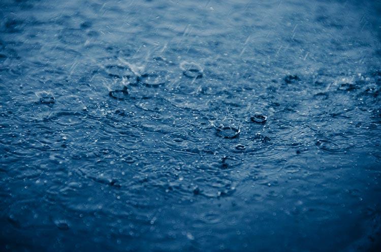 дождь лужи фото