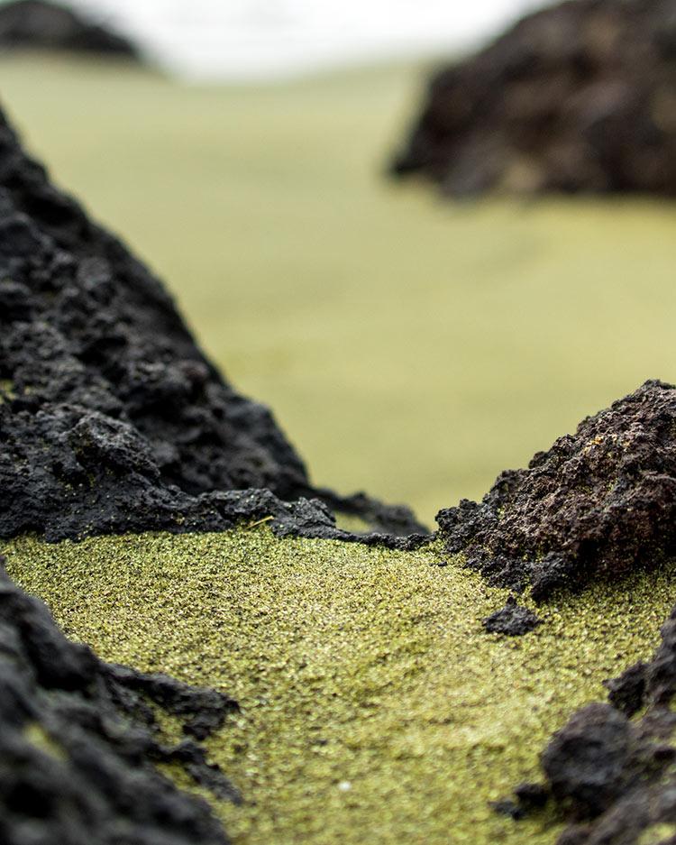 пляжи с цветным песком