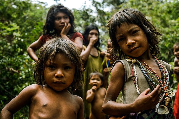 дикие племена людей