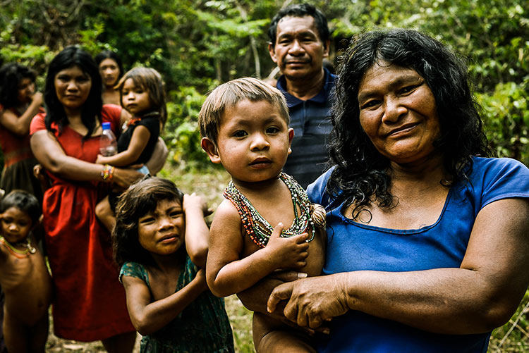 племя пираха фото
