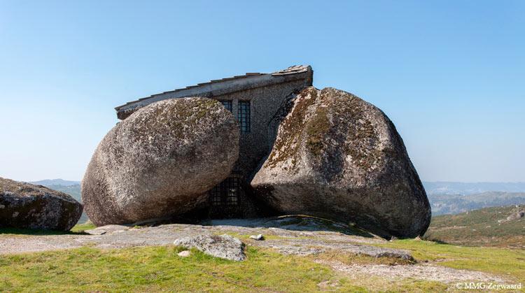 дом из природного камня