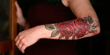 татуировки для девушек цветы фото