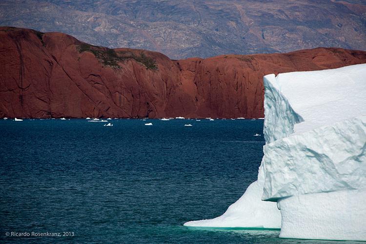 гренландия самый большой остров в мире