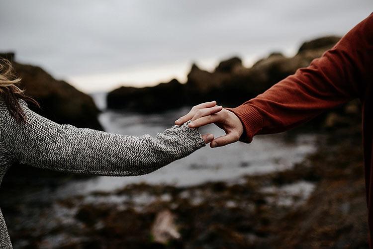 фото рук влюбленной пары