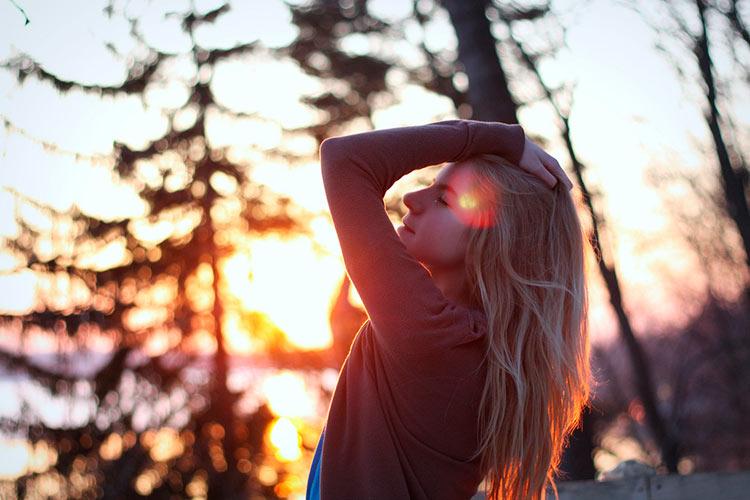 девушка весна солнце