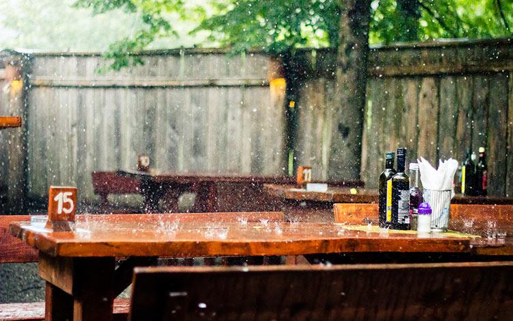дождь на улице фото