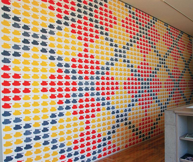 геометрический орнамент на стене