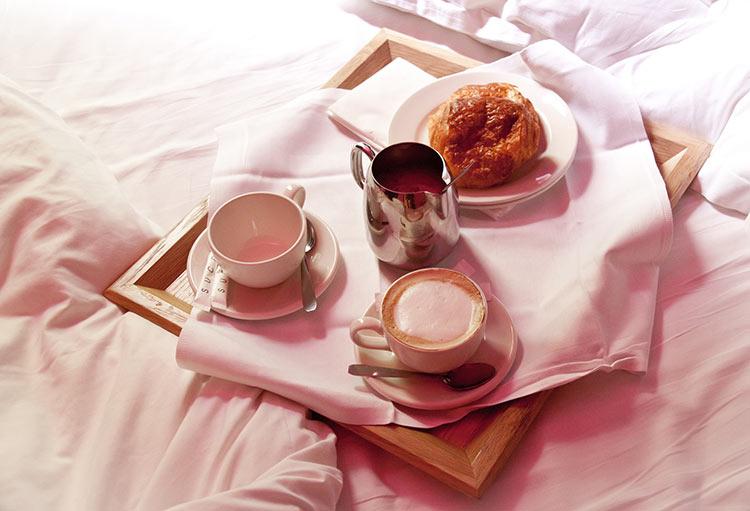 фото завтрака в постель