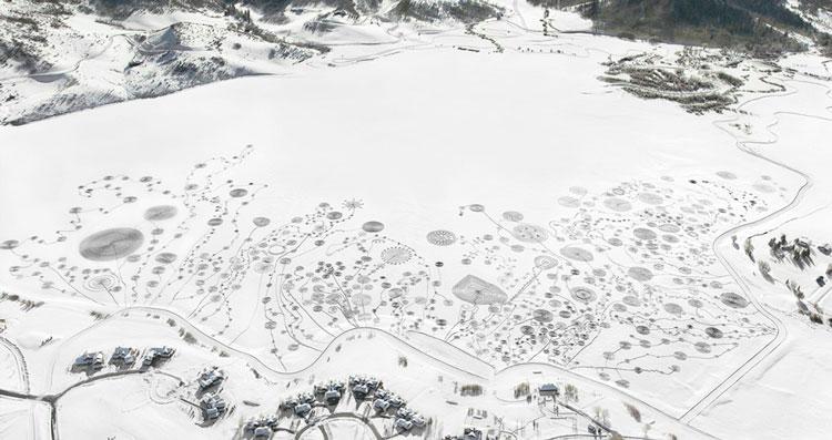 искусство на природе зимой