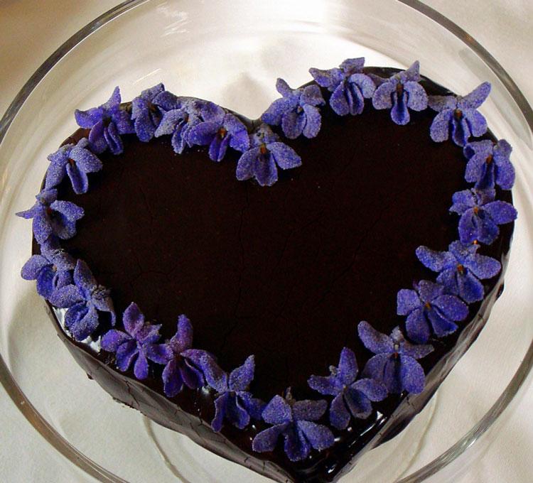 торт в форме сердца на день святого Валентина рецепт