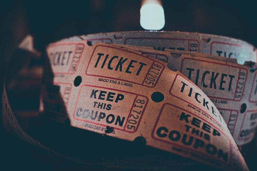 Подарок на 14 февраля любимому билеты абонимент