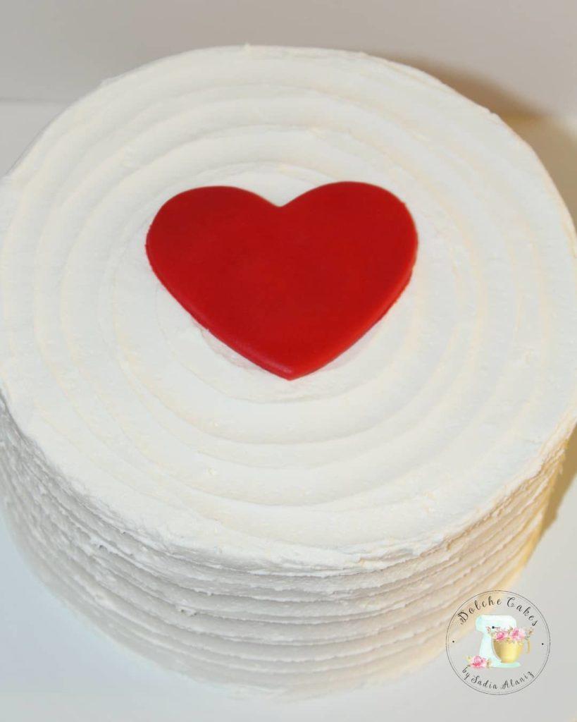 торт на день святого Валентина минимализм фото