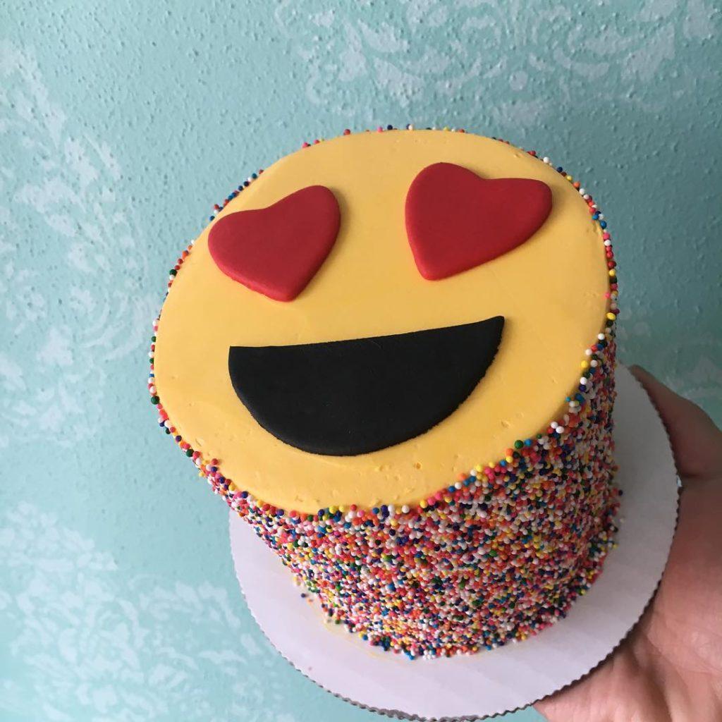 торт на день святого Валентина смайл улыбка фото