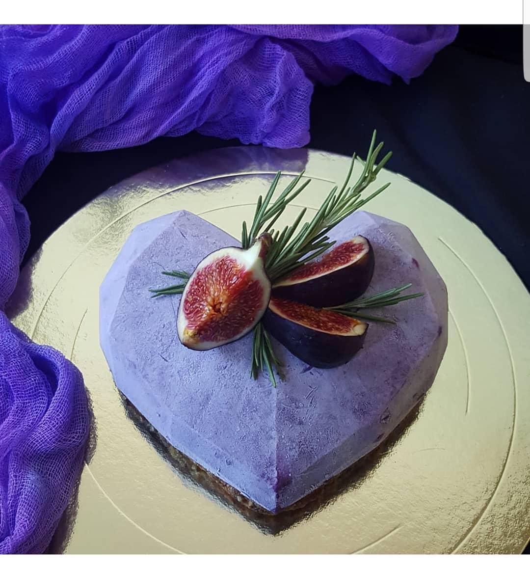 торт гранёное сердце на день святого Валентина фото