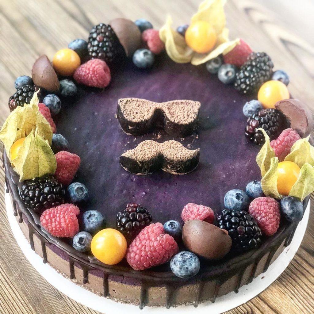 торт для мужчин на день святого Валентина фото