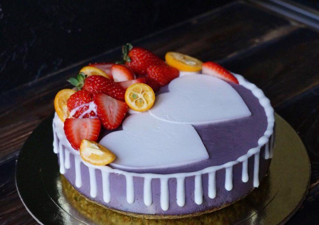 сыроедческий торт на день святого Валентина фото