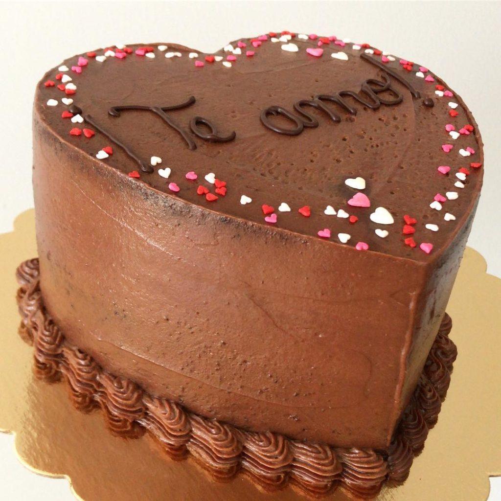шоколадный торт на день святого Валентина фото