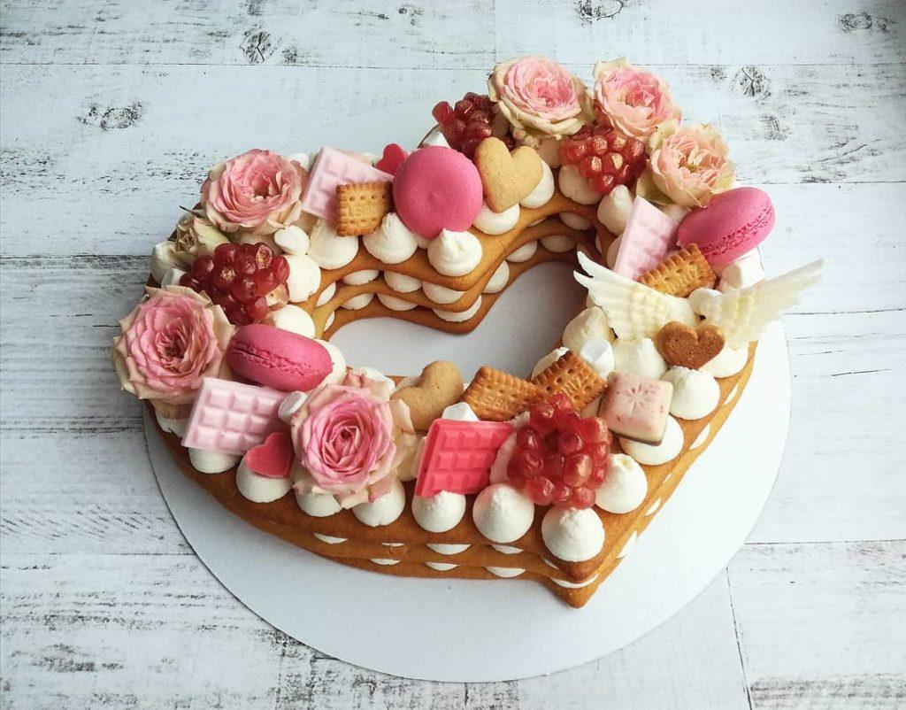 торт полое сердце на день святого Валентина фото