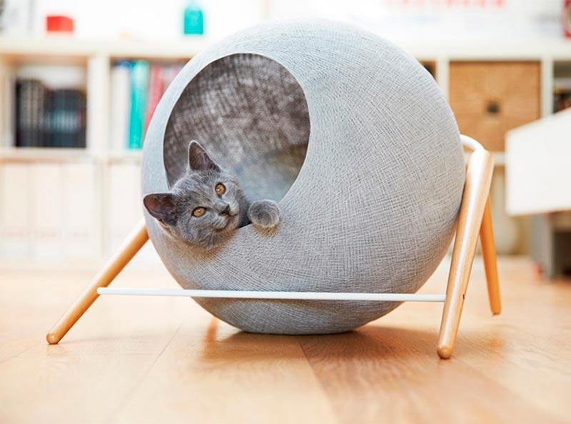 плетеный лежак для кошки