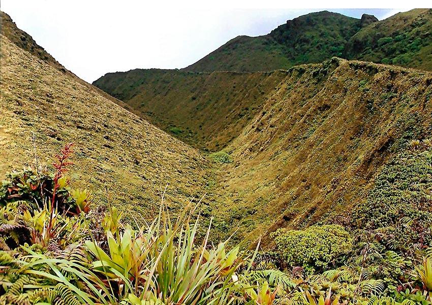 извержение мощного вулкана Мон-Пеле на Мартинике Сен-Пьер 4