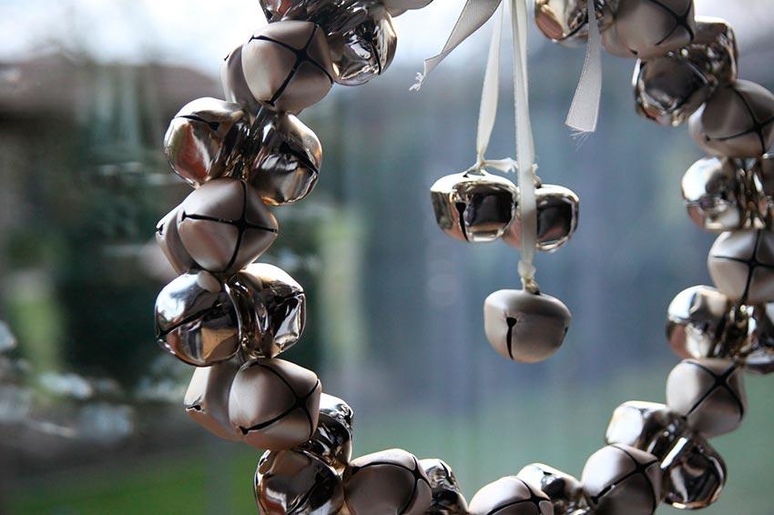 Рождественские венки из игрушек 6