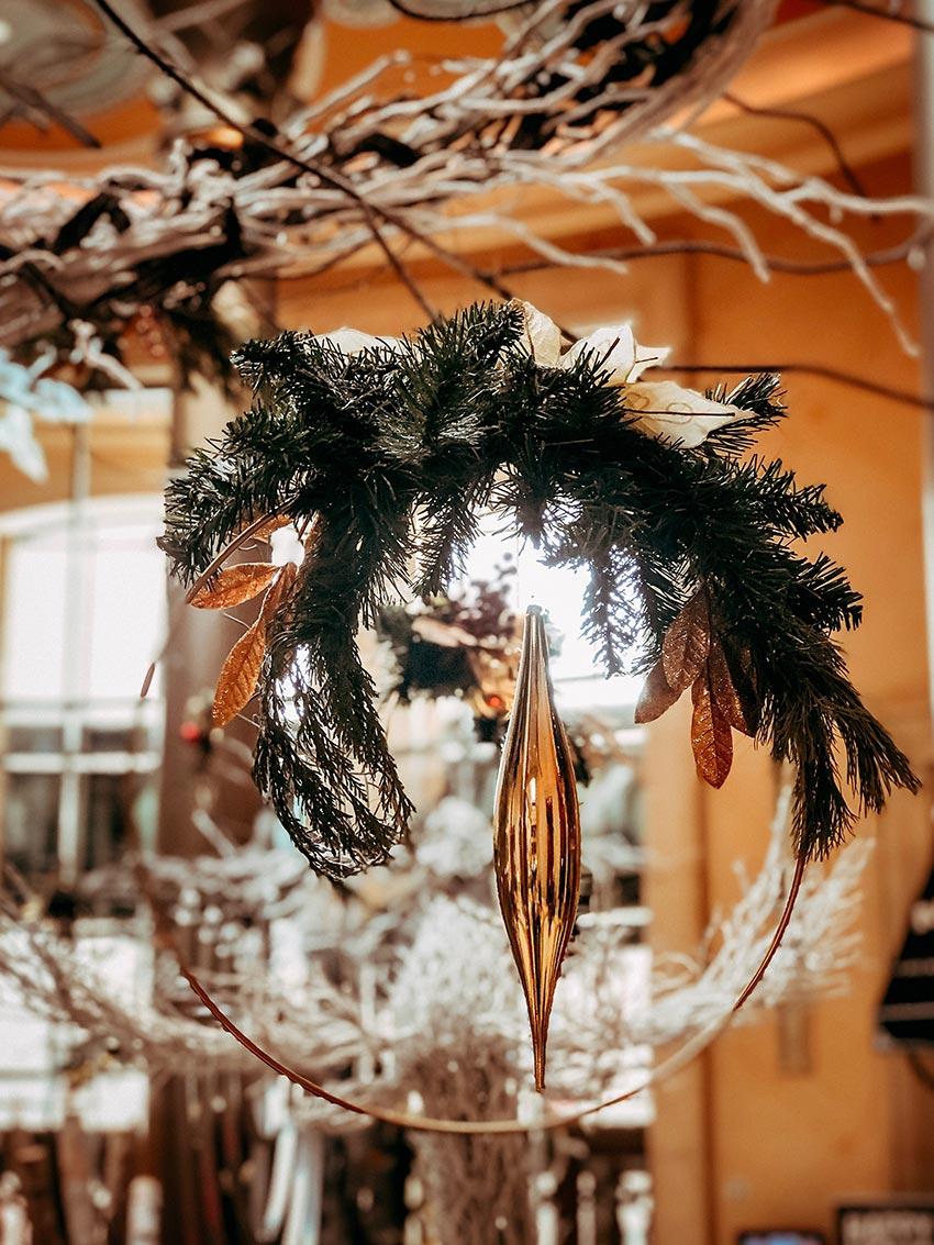 Рождественские еловые венки 36