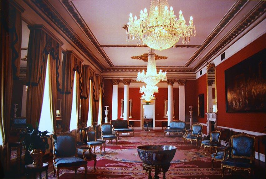 Дублинский замок Ирландия фото